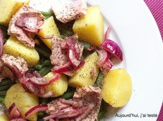 Green Bean, Potato, Pickled Red Onion and Tuna Salad, by Aujourd'hui, j'ai testé (adapted from Salt and Vinegar Potato Salad, by Joy the Baker)