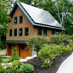 maine timber frame garage with living space above