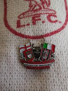 Large Liverpool Football Club Number Plate Enamel Lapel Pin Badge Official