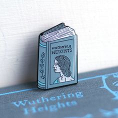 Livre broche Emily Bronte émail broche Wuthering Heights