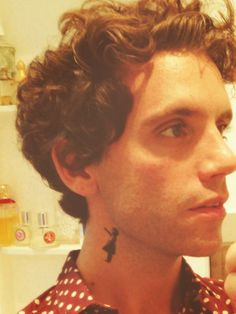 MIKA official (mikasounds) on Twitter - Mika's fake tattoo of a Banksy work Jul 21
