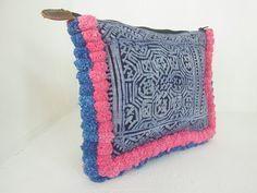 Pom Poms Pattern Clutch Hill Tribe Fabric por ThaiHandbags en Etsy