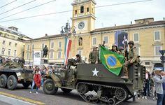 """26 Aprile: in Piazza Garibaldi la sfilata della """"Colonna della Libertà"""" con 170 veicoli militari d'epoca da tutta Europa e la delegazione brasiliana di reduci e discendenti dei soldati della Forza di Spedizione Brasiliana (F.E.B.)."""