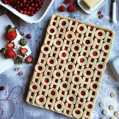 This idea popped in my head during the week. I made a version yesterday, but mid-photo shoot saw how the design could be improved, so made it again this morning. That means there& lots of Strawberry, Raspberry and Cranberry slab pie to go around! Xmas Food, Christmas Sweets, Christmas Cooking, Christmas Goodies, Christmas Pies, Christmas Fruit Ideas, Holiday Treats, Holiday Recipes, Pie Crust Designs