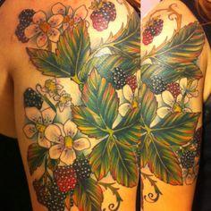 Love this floral blackberry tattoo Pretty Tattoos, Love Tattoos, Beautiful Tattoos, New Tattoos, Jasmin Tattoo, Blackberry Tattoo, Body Painting, Nouveau Tattoo, Becoming A Tattoo Artist