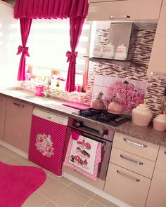 💕 People You Trust And Share Every Secret With Is Your Future Potential Enemy In The Future Cocina Shabby Chic, Shabby Chic Kitchen, Home Decor Kitchen, Diy Home Decor, Room Decor, Modern Kitchen Design, Interior Design Living Room, Pastel Kitchen, Kitchen Organisation