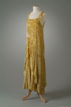 Peggy Hoyt dress ca. 1929 via The Meadow Brook Hall Historic Costume Collection ...