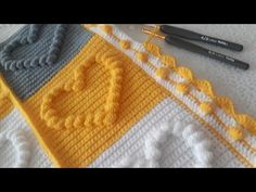 Manta Crochet, Crochet Baby, Knitted Blankets, Knitted Hats, Baby Knitting Patterns, Crochet Patterns, Pop Corn, Popcorn Stitch, Crochet Carpet