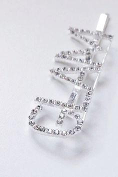 Πιαστρακι μαλλιων Glam Hair Accessories, Bracelets, Silver, Jewelry, Fashion, Moda, Jewlery, Jewerly, Fashion Styles