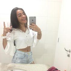 """246.5 mil curtidas, 3,563 comentários - Daniela Russo (@danirussotv) no Instagram: """"a garota mais desbaratinada do brasil meu amô"""""""