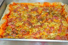 Esta é mais uma versão de uma pizza que já por aqui passou, esta com fruta.
