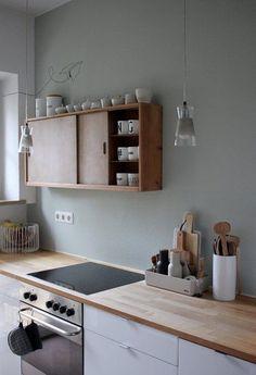 Neues wagen: Wunderschöne Wandfarben-Ideen aus der Community | SoLebIch.de Foto: labelfrei #solebich #Wandfarbe #neue #trend #Wandgestaltung #Farbe #streichen #umstreichen #inspiration #ideen #salbei #salbeiton #grün #Küche #kitchen