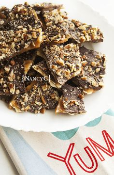 I first tasted Saltine Cracker Toffee a few years ago when a friend gave me some during the holidays. I could not believe this toffee was made with saltine crackers—I never would have guessed! Saltine Cracker Candy, Saltine Toffee, Cracker Toffee, Saltine Crackers, Toffee Bars, Holiday Cookie Recipes, Holiday Desserts, Holiday Baking, Christmas Baking