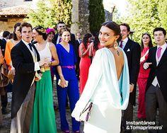 © Instantánea y Tomaprimera. Fotografía de boda. Boda-Wedding - Fotografía – Photography - Amigas - Friends - Invitadas Vestido –  Dress  - Sonrisa – Smile - Felicidad – Happiness -