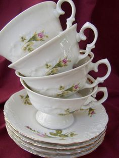 Shabby chic style: Serve tea in vintage cups tea-a-drink-with-jam-and-bread-and-coffee-too Antique Tea Cups, Vintage Cups, Vintage Dishes, Vintage China, Shabby Chic Style, Shabby Chic Decor, Vintage Tea Rooms, Afternoon Tea Parties, Teapots And Cups