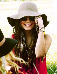 Vanessa Hudgens Coachella Style// I love love love this look. Estilo Fashion, Boho Fashion, Womens Fashion, Estilo Hippie Chic, Summer Outfits, Cute Outfits, Summer Clothes, Floppy Hats, Vanessa Hudgens