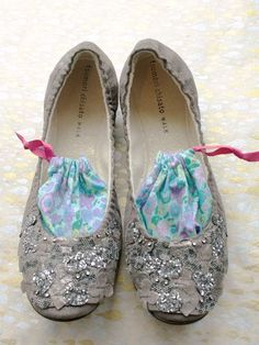 bye bye stinky shoes...I need this for all my flats