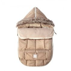 $115-$155 Le Sac Igloo Beige: Matches Hats, Mittens, Booties, Voyage diaper bags