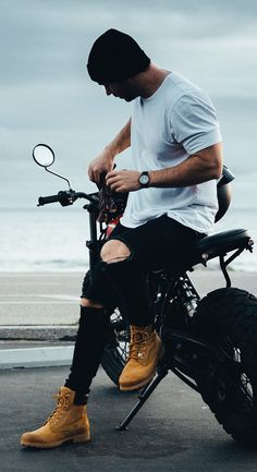 Trendy Mens Fashion, Stylish Mens Outfits, Urban Fashion, Sneaker Outfits, Timberland Boots Outfit, Timberlands, Bike Photoshoot, La Mode Masculine, Sneakers Mode