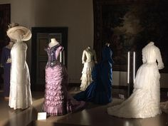 American Gilded Age era gowns designed by: Gabrilla Pescucci. Period Drama Movies, Prom Dresses, Formal Dresses, Wedding Dresses, Best Costume Design, The Age Of Innocence, Beautiful Costumes, Gilded Age, Drama Film