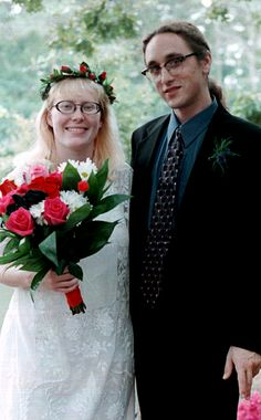 Amy Carter, daughter of former President Jimmy Carter, poses with new husband Jim Wentzel after the two were married in a brief and private ceremony in Plains, Ga. Sunday, Sept. 1, 1996.