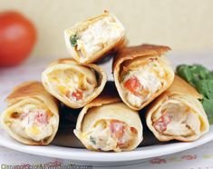 Cream Cheese Chicken Taquitos - these would be yummy with some plan approved wraps! Mexican Dishes, Mexican Food Recipes, Taquitos Recipe, Chicken Taquitos, Chicken Empanadas, Chicken Nuggets, Queso Cheddar, Cheddar Cheese, Cream Cheese Chicken