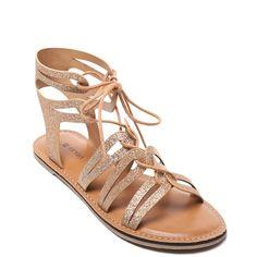 6 φλατ σανδάλια για ξεχωριστές εμφανίσεις. Shoes Flats SandalsGladiator ... a24fe3ec3c5