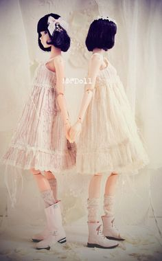 sisters dolls