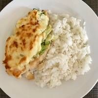 Dubarry csirkemell Clean Eating Recipes, Cooking Recipes, Risotto, Mashed Potatoes, Cauliflower, Bacon, Food And Drink, Ethnic Recipes, Desserts