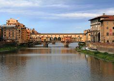 Ponte Vecchio, Florence Copyright @ TheDaydreamingTourist www.thedaydreamingtourist.com