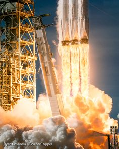 New RARE 2018 SpaceX aerospace rockets company Men T shirt Gildan Cotton
