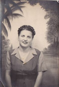 VINTAGE PHOTO BOOTH WOMAN TROPICAL BACKGROUND 1930S-40s | eBay