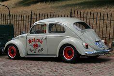 """Hot Rod Girls Club"" VW Beetle"