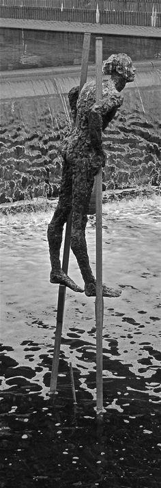 On Stilts. From Aker Brygge, Oslo. Photo by Åse Margrethe Hansen, 2012 8th Grade Art, Dance Of Death, City Beach, Outdoor Art, Land Art, Medium Art, Installation Art, Sculpture Art, Amazing Art