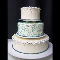 Jaciva's Beautiful Cakes!  #Jacivas #JacivasBakery #Portland #PortlandWedding #wedding #WeddingCake #JacivasWedding