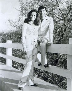 Sally and Clay Hart - Lawrence Welk Show members The Lawrence Welk Show, 70s Tv Shows, Ensemble Cast, Musicals, Nostalgia, Sally, History, Film, Celebrities