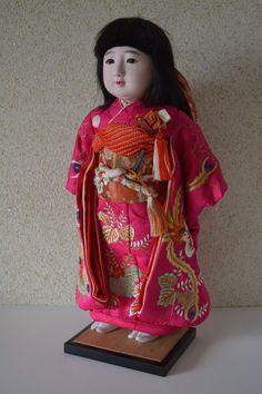 Ichimatsu doll, vintage Japanese ningyo with embroidered kimono
