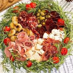 Love this Presentation Idea for the Holidays~ Antipasto Wreathed w/Rosemary. – Carol Clark Love this Presentation Idea for the Holidays~ Antipasto Wreathed w/Rosemary. Love this Presentation Idea for the Holidays~ Antipasto Wreathed w/Rosemary. Christmas Eve Dinner, Christmas Entertaining, Christmas Party Food, Xmas Food, Christmas Cooking, Christmas Eve Appetizers, Italian Christmas Food, Christmas Lunch Ideas, Christmas Dinner Recipes