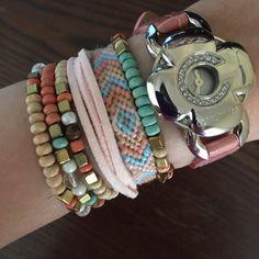 Normal friendship bracelet pattern variation added by Heymani. Friendship Bracelet Patterns, Friendship Bracelets, Diamond Cross, Friends Show, Bracelet Making, Chevron, Profile, Jewelry, User Profile