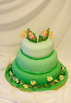 """2 Peas In A Pod"" Baby shower cake"