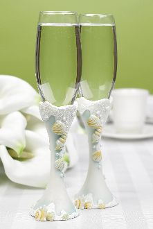 Toasting Flutes - Seaside Jewels 715781323070 Perfect for an outdoor wedding or an event with a beach theme. Set of Wedding Toasting Glasses, Wedding Flutes, Toasting Flutes, Champagne Flutes, Wedding Favors, Wedding Reception, Wedding Decorations, Ocean Blue Weddings, Beach Weddings