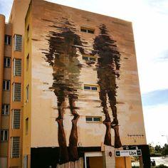 Lisbona, Portogallo: nuovo pezzo dello street artist spagnolo Borondo.