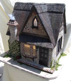 Unique Miniature scale Dollhouses: Haunted houses, Cottages, Manors and Castles by Minis On The Edge Tracy Topps Haunted Dollhouse, Dollhouse Kits, Haunted Houses, Miniature Houses, Miniature Dolls, Tracy Topps, Dollhouse Design, Storybook Cottage, Fairy Garden Houses