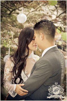 vietnamese tea cermony tradition ceremony catholic ceremony Ao Dia vietnamese bride and groom bridal party beach destination wedding photographers Hayne Photographers Norfolk Va022