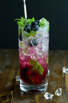 Blueberry mojitos - simple and delicious. Perfect summer cocktail.