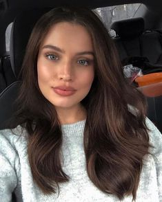 wavy hair Brunette + fresh in the face. Natural Makeup Looks, Natural Hair, Natural Waves, Natural Beauty, Makeup For Green Eyes, Brown Hair Colors, Brown Hair Green Eyes, Dark Brown Hair Rich, Mocha Brown Hair