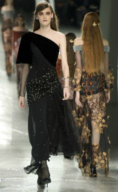 "Vera Wang offered ""dark romance"", Marc by Marc Jacobs ""space-age ninjas"" and Rodarte ""Star Wars"" at New York Fashion Week."