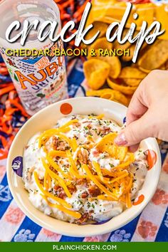 CRACK DIP - Cheddar Bacon Dip - I always double the recipe and there is never any leftovers! People go crazy for this dip!! Sour cream dip loaded with cheddar, bacon and ranch. This dip is crazy addictive!! SO good! Appetizer Dips, Appetizers For Party, Appetizer Recipes, Yummy Appetizers, Party Snacks, Bacon Ranch Dip, Bacon Dip, Dip Recipes, Cooking Recipes