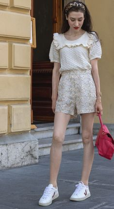 Looking for stylish summer shorts outfits? Here is one that you can wear all summer long! This summer outfit with shorts and summer knit top is just perfect for a day date with boyfriend, lunch date or a city stroll. You can even wear it on your summer vacation in Europe. I can already see you in this chic outfit in Paris. Ps. Go to Brunette from Wall Street to find more about this classy casual summer outfit. Summer Shorts Outfits, Short Outfits, Casual Outfits, City Outfits, Urban Outfits, London Fashion Bloggers, Fashion Trends, Fashion Inspiration, Classy Casual