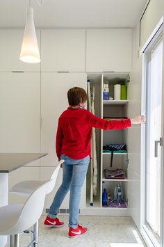 Funcionamiento tendedero de ropa sistema elevador colgante - Armarios para almacenaje ...